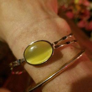 Yellow cats eye stone silver bracelet